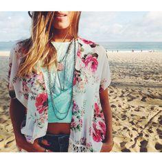 Kimono + cropped + colares Garimppo
