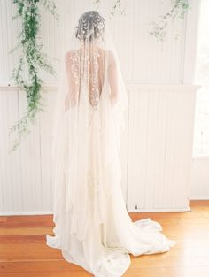 Springtime Wedding Inspiration | Gown: CAROL HANNAH CELESTINE | Photographer: JAKE ANDERSON PHOTO | Styling, design & florals: FORAGED FLORAL | Accessories: HUSHED COMMOTION