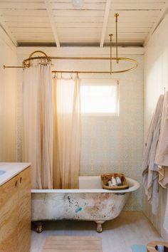 Serena Mitnik-Miller's Topanga Canyon Home — Hazel + Scout Clawfoot Tub Bathroom, Bathroom Spa, Small Bathroom, Bathroom Ideas, Washroom, Master Bathroom, Bathroom Canvas, Topanga Canyon, Country Interior Design