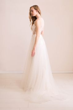 Nora Sarman Bridal collection / photo Pinewood Weddings / dress Artemis