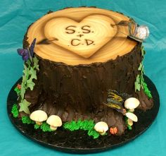 maybe no fungus on the wedding cake, but the wood is awesome.
