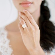 How gorgeous is this double halo yellow gold ring! Want!  @tenthandgrace