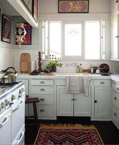 Sweet Home Decoration .Sweet Home Decoration Cozy Kitchen, Little Kitchen, Kitchen Decor, Kitchen Rug, Kitchen Windows, Nice Kitchen, Kitchen White, Country Kitchen, Bungalow Kitchen