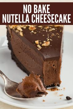 Ultra decadent and cream No Bake Nutella Cheesecake No-Bake Nutella Cheesecake is a perfectly easy dessert recipe for any occasion. The filling doesn't rely on gelatin or whipped cream and contains just three ingredients! No Bake Nutella Cheesecake, Baked Cheesecake Recipe, Nutella Cake, Cheesecake Crust, Nutella Brownies, Nutella Cookies, Homemade Cheesecake, Cheesecake Desserts, No Bake Desserts