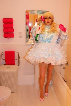 sissy maid at the crossdressing sissy service