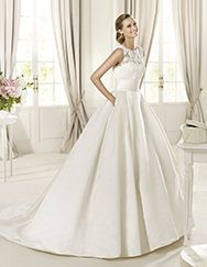 Pronovias presents the Dalia bridal dress, Costura 2013. | Pronovias   Absolutely love this dress!!