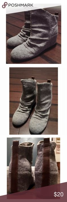 Aldo concealed heel bootie size 8 Sweater gray with brown stripe on the back. Hidden heel wedge is super comfortable to walk in! Barely worn! Aldo Shoes Heeled Boots