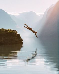 Dive in. (Photo via IG: eljackson)
