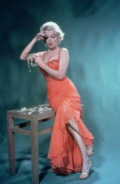 Style Marilyn Monroe, Arte Marilyn Monroe, Gentlemen Prefer Blondes, Hollywood Glamour, Old Hollywood, Hollywood Actresses, Loretta Young, Joe Dimaggio, Mae West