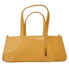 LANCEL Sacs à main en cuir http://www.videdressing.com/sacs-a-main-en-cuir/lancel/p-2837172.html?&utm_medium=social_network&utm_campaign=FR_femme_sacs_sacs_en_cuir_2837172