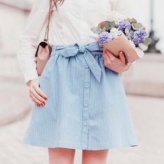 cute button front skirt outfit for spring and summer