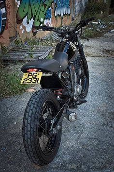 I ran across this little number on the Do The Ton cafe racer forum recently. After a little research I discovered this bike is owned by fe...