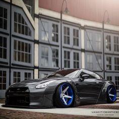 Photo Credits: Strada Official Photographers ______________________________ Strada Official Videographer: ______________________________ Support Pages Sponsors ______________________________ Bugatti, Lamborghini, Ferrari, Porsche, Audi, Bmw, Tuner Cars, Jdm Cars, Nissan Life
