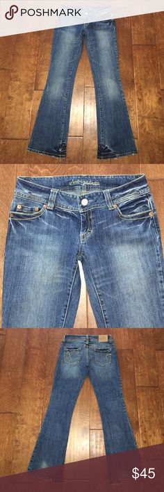 """American Eagle Outfitters, Boot Cut Jeans I'm selling a beautiful pair of American Eagle Outfitters """"AE Artist"""" Boot Cut Jeans in a medium wash, I love ❤️ the intentional distressing of the denim and the gorgeous whispering it has. I also love the designers dark wash and distressing he did on the inside of the heel area on the bottom of them. They're Size 4 Regular Stretch with a 32"""" inseam. American Eagle Outfitters Jeans Boot Cut"""