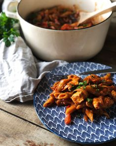 ALT-I-ETT GRYTE: KYLLINGFAJITASGRYTE – Mat Til Familien Kung Pao Chicken, Food And Drink, Health Fitness, Ethnic Recipes, Red Peppers, Fitness, Health And Fitness