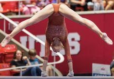 Gymnastics Routines, Gymnastics Flexibility, Gymnastics Photography, Gymnastics Pictures, Sport Gymnastics, Artistic Gymnastics, Sport Photography, Little Women La, 1976 Olympics