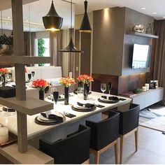Apartamento compacto, lindo e cheio de estilo! As cores passeiam entre o fendi e o preto. A cadeira da mesa de jantar tem design antemporal e leva a assinatura de Philippe Starck e se chama Mademoiselle. . . #decor #homedecor #homedesign #house #instadecor #architecture #arquitetura #homestyle #decoração #decoracao #decoration #decorating #decorate #livingroom #design #designdeinteriores #instahome #saladeestar #inspiração #inspiration