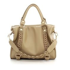 Batam TIM 5948 160.000 (ON SALE) 1.1 kg Material : PU Height : 26 cm Lenght : 30 cm Width : 11 cm Long straps : Yes