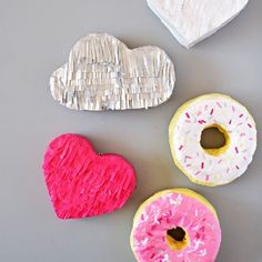 Learn how to make a donut, cloud and heart mini piñatas.