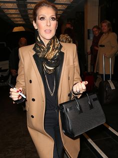 The Many Bags of Céline Dion Celine Dion, Ways To Wear A Scarf, How To Wear, Get Dressed, Fashion Forward, Marie, Nice Dresses, Cool Style, Celebrity Style