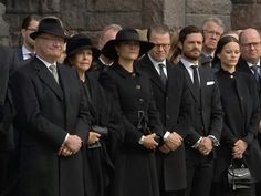 Swedish Royal family attend at the official ceremony for the victims today  #sweden #stockholm#scandinavia