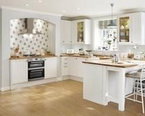 Greenwich Shaker White - layout, L shaped from AGA to living room door breakfast bar