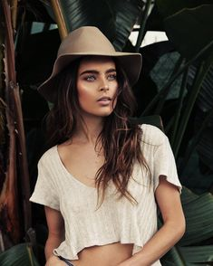 Charelle Schriek Photoshoot Inspiration, Vintage Designs, Panama Hat, Lifestyle, Instagram Posts, Outfits, Photo Shoot, Fashion, Clothes