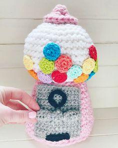 You got any gum?  #crochet #gumballmachine