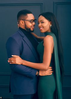 It is not unusual for a bride to be quite picky when it comes to choosing the bridal gown to wear at her wedding Black Love Couples, Cute Couples Goals, Couple Photoshoot Poses, Couple Photography Poses, Couples African Outfits, Stylish Couple, Photo Couple, African Men Fashion, Marie