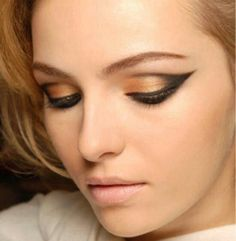Gold Eye Shadow with Black Outline Makeup