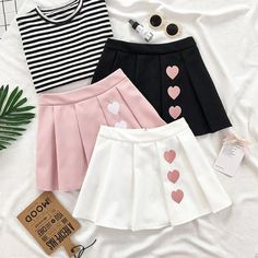 Cute heart kawaii skirt so cuteWhite/Black/Pink Sweet Heart Pleated Skirt Source byThe streets ought to be the upcoming big situation to reveal the outcomes of twinning fashion. Anyway, this Korean on-line shop is the actual deal. My treasured legit Kawaii Fashion, Cute Fashion, Kids Fashion, Fashion Styles, Fashion Ideas, Women's Fashion, Fashion Outfits, Fashion Trends, Mode Kawaii