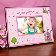 Cute birthday gift especially for a princess-themed party. A castle, kitten, crown and little girl's name make us this frame. #princess