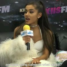 Ariana Grande Eyes, Ariana Grande Victorious, Ariana Grande Singing, Ariana Grande Images, Ariana Grande Music Videos, Ariana Grande Photoshoot, Hair Tips Video, Ariana Video, Everyday Casual Outfits