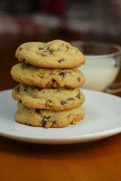 Chocolate Chip Walnut Soft Cookies - pinner sez these are soft, easy and fabulous.