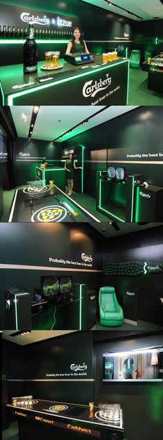 j Carlsberg - Carlsberg X IZZUE fitting room j