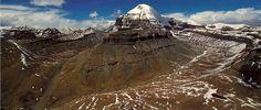 Mount-Kailash-with-Nandi-parvat..jpg (immagine JPEG, 1768×751 pixel) - Riscalata (72%)