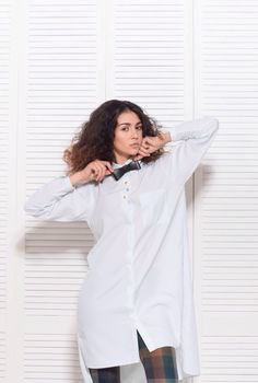 Elegance Bow-Tie Classic - 295 грн. Бесплатная доставка на отделение Новой почты. Для заказа пишите сюда - MAIL@SKINANDBONES.COM.UA.  Кожаная бабочка Elegance Bow-Tie Classic - отлично подойдет уверенному в себе мужчине, а также его соблазнительной спутнице.  #skinandbones #man #woman #handmade #leather #bowtie #collar #wallet #suspenders #exclusive