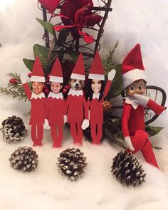 Day 3: Jack turned his favorite family into elves!#elfontheshelf #elfontheshelfideas #jacktheelfadventures #elfontheshelf2015