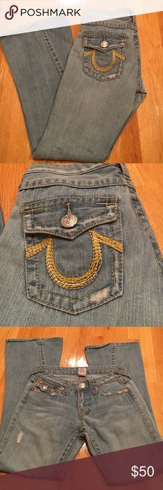 "True Religion flare denim 💋Wxcellent condition. 100% cotton. 31"" inseam True Religion Jeans Flare & Wide Leg"