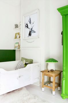 ChicDecó | Vintage bedroom in white and green
