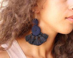 Artículos similares a Green crochet earrings / Dainty earrings / Bohemian earrings / Fancy jewellery / Hippie earrings / Gypsy earrings / Bohemian jewellery en Etsy