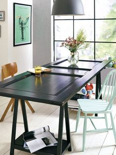 3 Cheap DIY Ideas to Reuse and Recycle Old Wood Doors for Modern Tables Recycled Furniture, Diy Furniture, Do It Yourself Couch, Diy Tisch, Old Wood Doors, Recycled Door, Door Table, Modern Dining Table, Dining Tables