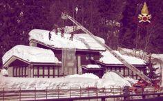 Neve pericolosa in Lombardia: vigili del fuoco al lavoro per liberare i tetti #sondrio #neve #vigili #del #fuoco #tetti
