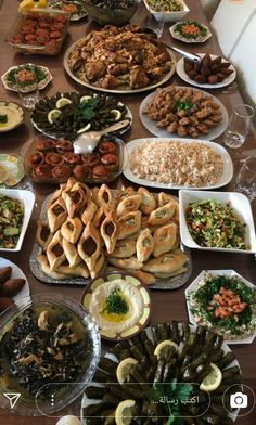 Iftar, Morrocan Food, Eid Food, Snap Food, Gula, Food Snapchat, Ramadan Recipes, Lebanese Recipes, Food Tasting