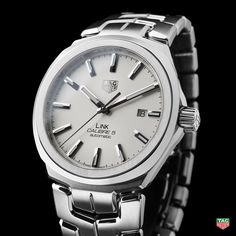 TAG HeuerCuenta verificada @TAGHeuer Famous for its comfortable steel S-shaped bracelet, the TAG Heuer Steel Link Calibre 5 is back. #BaselWorld2017 http://tag.hr/BaselWorld2017