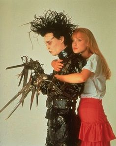 Johnny Depp and Winona Ryder ❤ Edward Scissorhands, 1990 by Tim Burton Colleen Atwood, Eduardo Scissorhands, Winona Ryder Edward Scissorhands, Edward Scissorhands Costume, Movies Showing, Movies And Tv Shows, Scissors Hand, Film Anime, Films Cinema
