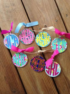 Lilly Inspired Monogram Acrylic Key Chain by ChickadeesDesigns0 $11.50 Vinyl Monogram, Applique Monogram, Vinyl Crafts, Vinyl Projects, Acrylic Keychains, Preppy Girl, Diy Keychain, Silhouette Cameo Projects, Cute Gifts