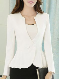 casual blazer outfits in 2020 Blazer Outfits Casual, Blazer Outfits For Women, Blazer Fashion, Suit Fashion, Blazers For Women, Look Fashion, Fashion Outfits, Dress Outfits, Fashion Clothes