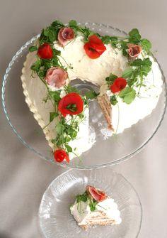 Bun mouse leivontanurkka: Heart-shaped cake panino al prosciutto  Sydämen muotoinen kinkkuvoileipäkakku