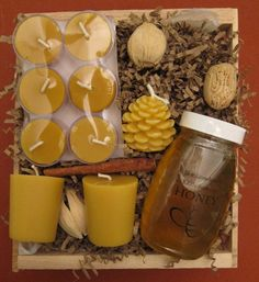 Items similar to Jumbo Gift Basket with bees wax candles and honey SALE on Etsy – Gift Basket Ideas Old Candles, Beeswax Candles, Candle Wax, Diy Candle Gift Basket, Gift Baskets, Honey Packaging, Simple Wedding Centerpieces, Candle Labels, Bee Theme